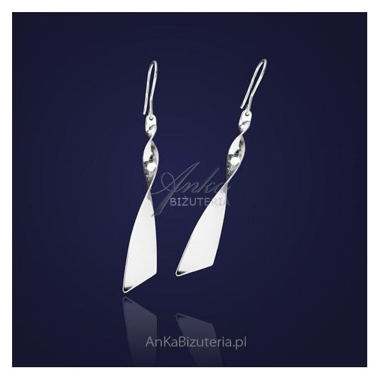 """Biżuteria artystyczna: Kolczyki srebrne """"zakręcona wstążka"""" ."""