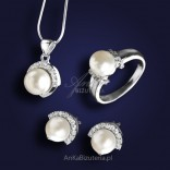 Przepiękny srebrny komplet biżuterii z perłami. ATRAKCYJNA CENA!