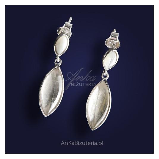 Modne kolczyki srebrne z kryształem górskim.
