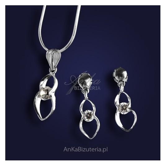Biżutetria-Komplet sebrny wisiorek i kolczyki z cyrkoniami