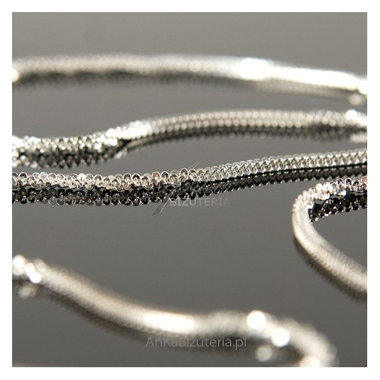 Łańcuszek CRISS-CROSS srebrny pięknie mieniący się-42cm