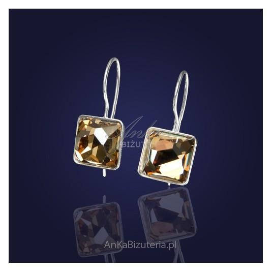 Swarovski-Kolczyki z kryształem Swarovskiego w kolorze Golden Shadow-elegancki złoty odcień.