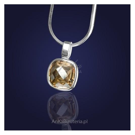 Biżuteria-Wisiorek srebrny z kryształem Swarovskiego w kolorze Golden Shadow-elegancki złoty odcień.