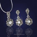 Komplet srebrny z markazytami oraz perełkami. Kolczyki i wisiorek kwiatki