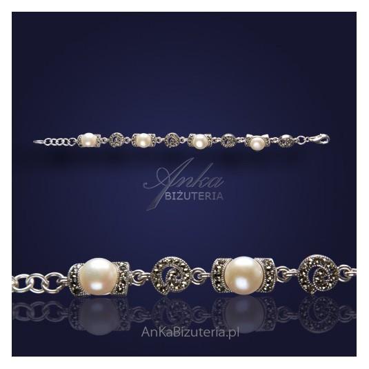 Wyjątkowa bransoletka z perełkami i markazytami