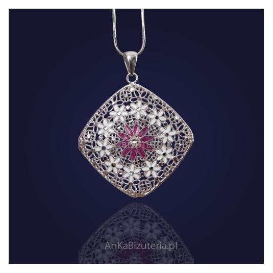 Wisiorek-Niepowtarzalna biżuteria srebrna malowana emalią.