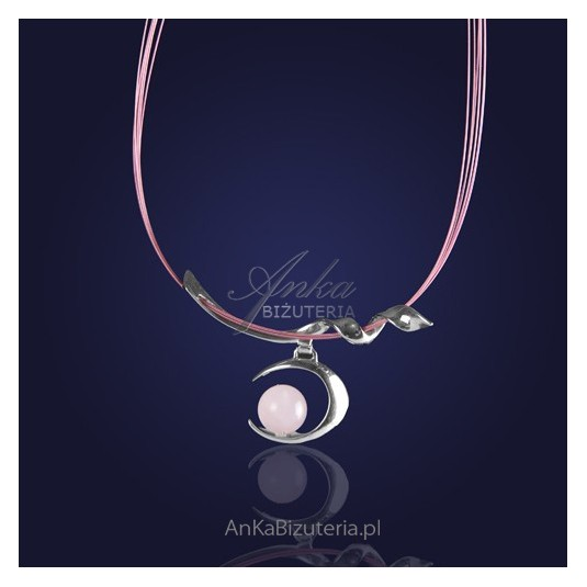 Naszyjnik srebrny w perfekcyjnym połączeniu z kwarcem różowym.