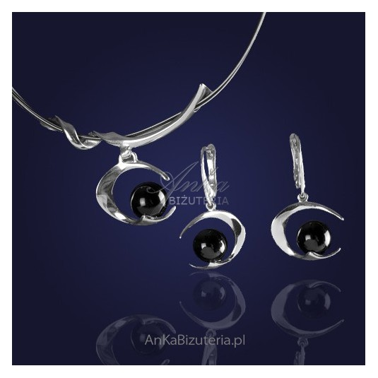 8e711bb327a734 Komplecik biżuterii : naszyjnik i kolczyki srebrne rodowane z onyksem - 10%  RABATU.