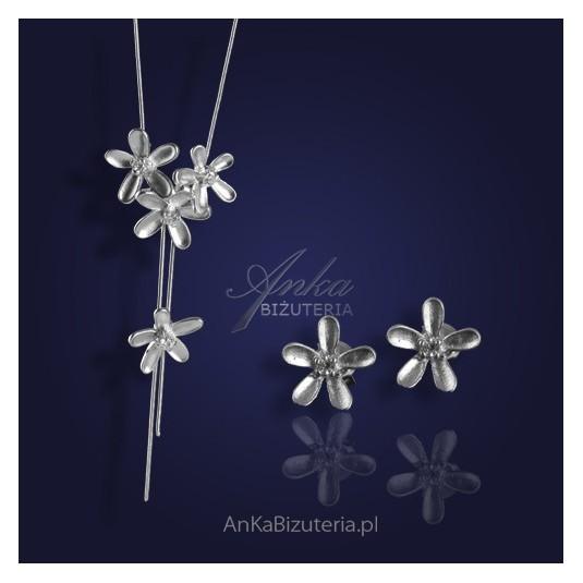 "BESTSELLER - komplet srebrny ""jak kwiatki na łące""."