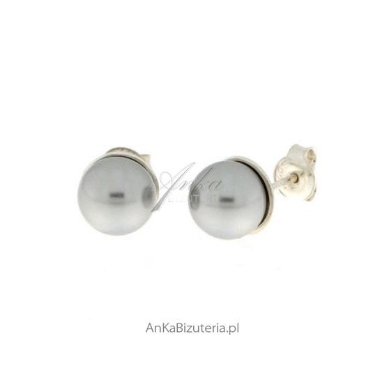 Delikatne kolczyki ze srebra i pereł w kolorze light grey - jasnoszary.