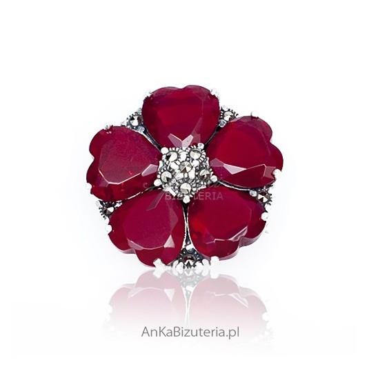 Rubin szlachetny - broszka srebrna z markazytami i rubinem - w kolorze sezonu - burgund.