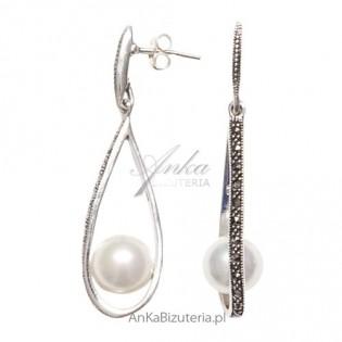 """""""Na udany wieczór"""" - srebrne kolczyki z markazytami i białą perłą."""