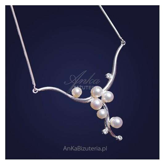 Naszyjnik srebrny: kolia z cyrkoniami i perłami