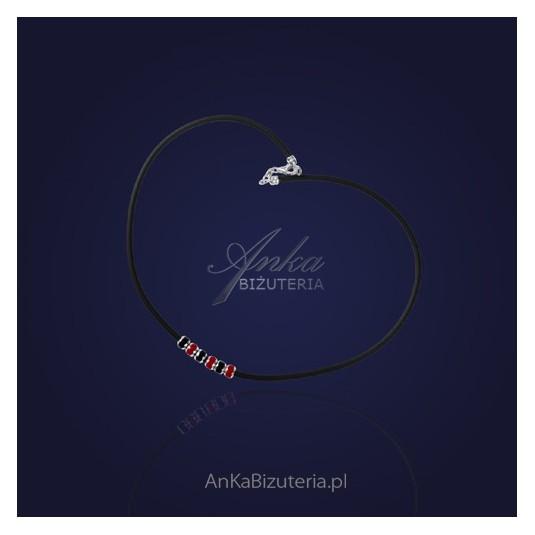 Srebrny naszyjnik na kauczuku z koralikami Pandora