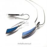 Komplet srebrny rodowany z pięknym kamieniem -niebieskim opalem