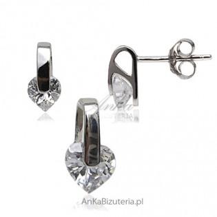 Delikatny komplecik srebrny rodowany z kryształami Swarovski -serduszka