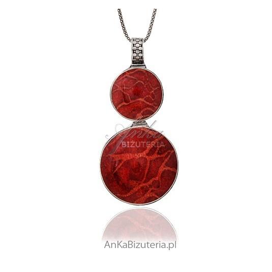 Wisior srebrny z czerwonym koralem - klasyka .