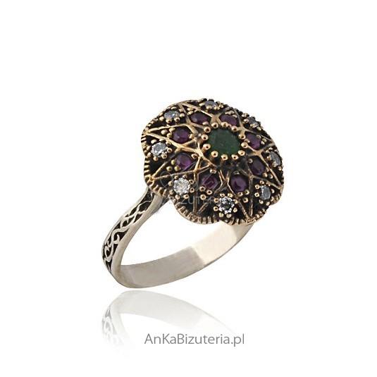 Kolekcja Wiktoriańska - srebrny pierścionek 16,18 z rubinem i szafirem.