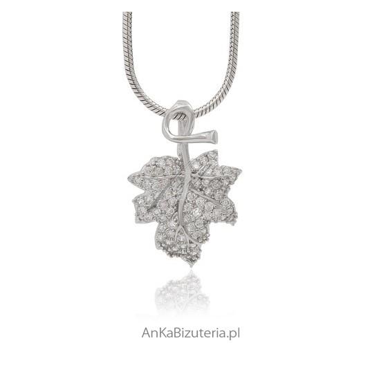 ea0d92d042bb Delikatny Wisiorek Srebrna zawieszka Listek Biżuteria dla dzieci