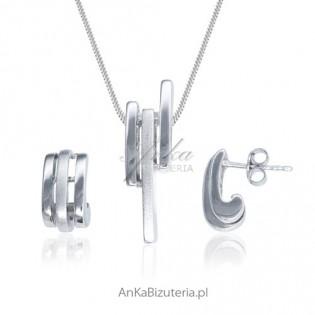 Biżuteria damska - komplet biżuterii srebrnej