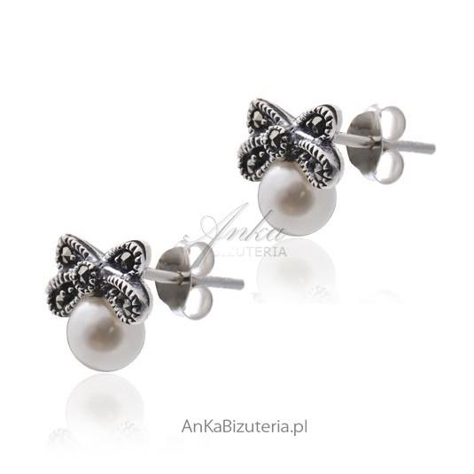 Subtelne srebrne kolczyki z perełkami i markazytami