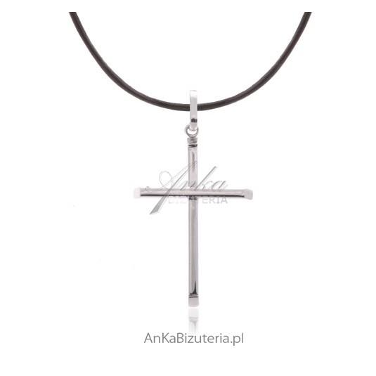 Prosty i skromny krzyżyk srebrny